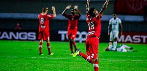 Willie festeja gol da vitória sobre Guarani e relembra emoção por homenagear a avó