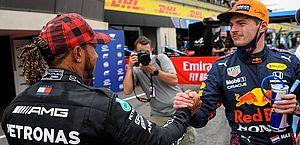 Verstappen supera Mercedes e faz a pole na França em treino com batidas