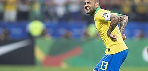 Fluminense e Daniel Alves não chegam a acordo; veja quanto o lateral queria receber