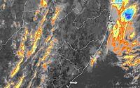 Aviso Meteorológico: pancadas de chuva com rajadas de vento no Litoral e Zona da Mata