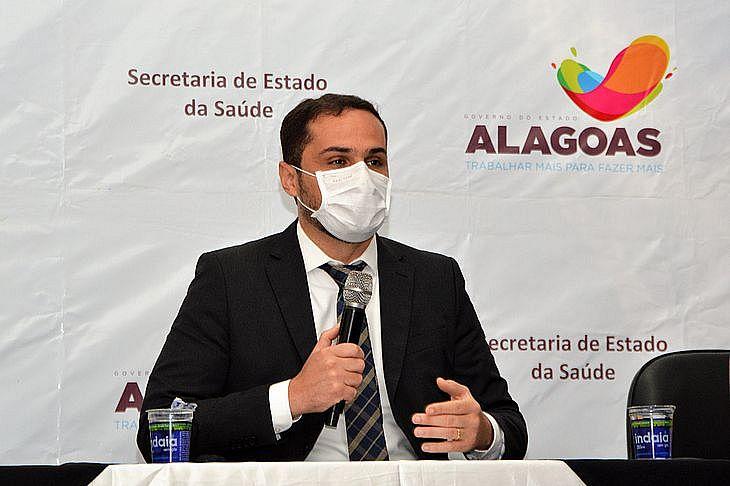 Secretário Alexandre Ayres