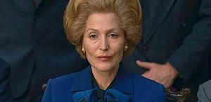 Repórter comete gafe ao perguntar se atriz de The Crown conversou com Thatcher
