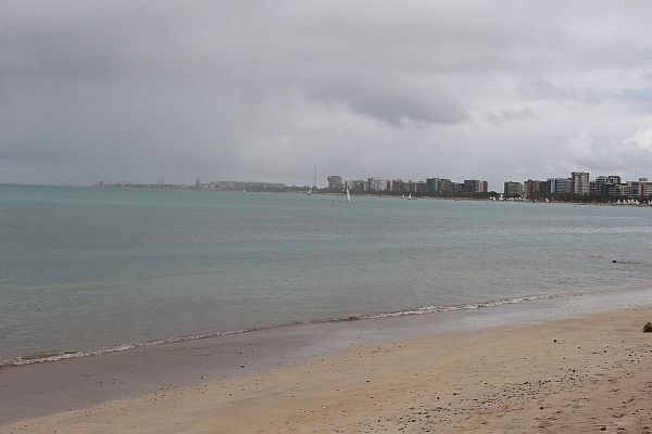 Meteorologia alerta para chuvas no litoral alagoano