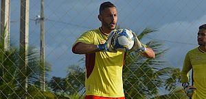 Fernando Henrique é regularizado e fica à disposição do técnico Marcelo Chamusca