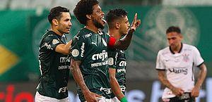 Palmeiras goleia Corinthians e acaba com série invicta do rival