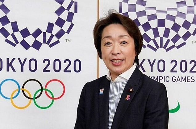 Presidente da Tóquio-2020 visita centro LGBTQ e enfatiza diversidade