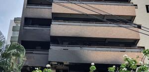 Incêndio atinge três apartamentos em condomínio, em Fortaleza