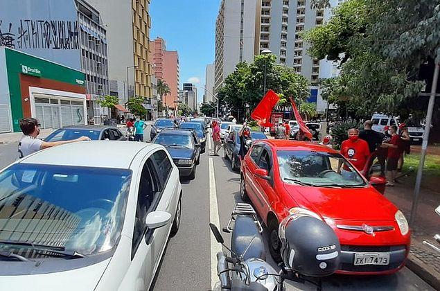 Cidades registram manifestações pela vacina e contra Bolsonaro; em Maceió também teve ato