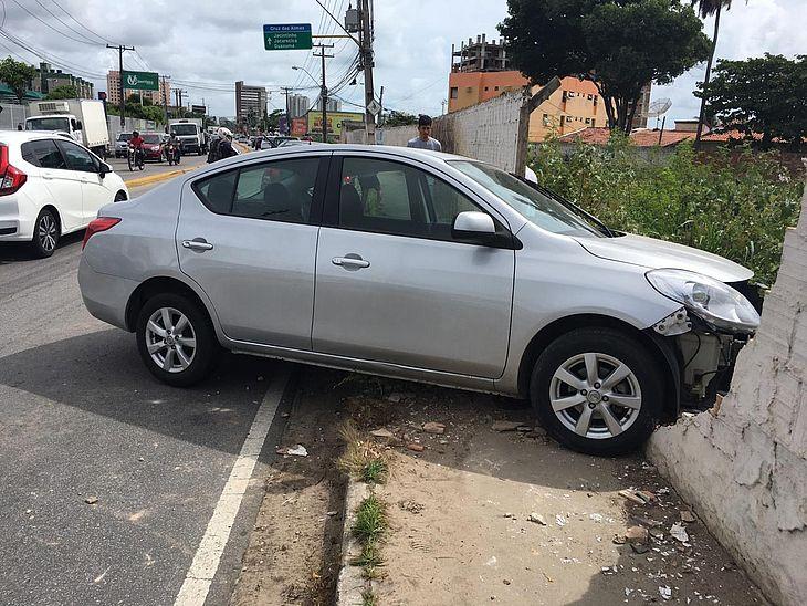 Motorista teria sofrido um ataque epilético