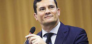Sérgio Moro privilegia articulação e recebe 1/6 do Congresso