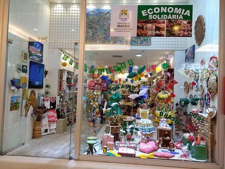 Loja da Economia Solidária, em shopping de Maceió