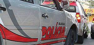Bandidos em dois carros atiram em mulher na parte alta de Maceió