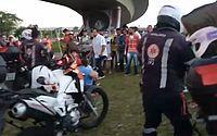 Pai e duas crianças ficam feridos após cair de viaduto em Recife; tentativa de suicídio não é descartada