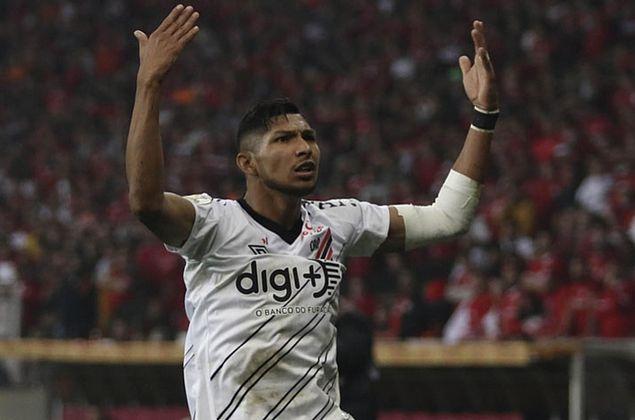 Athletico-PR: Luvas colocam Palmeiras à frente do Corinthians por Rony e jogador peita Petraglia