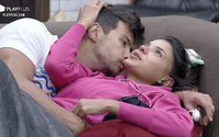 'O beijo foi bom': Jakelyne e Mariano vivem clima de romance em 'A Fazenda'
