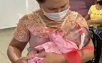 Com capa de super heroína, recém-nascida recebe alta após diagnóstico de Covid-19