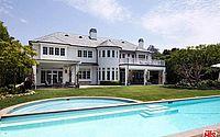 LeBron James coloca à venda mansão equivalente a mais de R$ 115 milhões