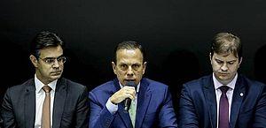 O governador do Estado de São Paulo, João Doria recebe no Palácio dos Bandeirantes o Ministro do Desenvolvimento Regional, Gustavo Canuto, acompanhado do vice-governador, Rodrigo Garcia