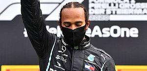 Em novo GP marcado por protestos, Hamilton vence com tranquilidade