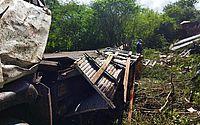 Vídeo: Homem morre após tombamento de caminhão, em Palmeira dos Índios