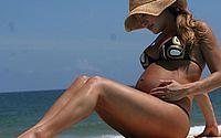 Claudia Leitte mostra filho beijando seu ultrassom e explode o fofurometro: 'Apaixonado pela irmã'