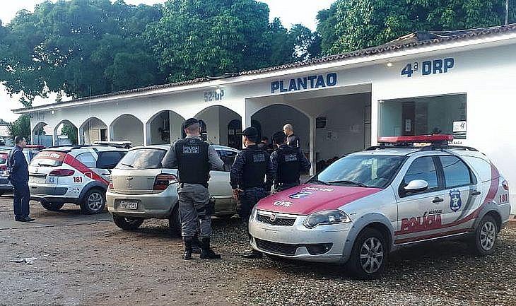 Um dos presos foi levado para a delegacia de Arapiraca