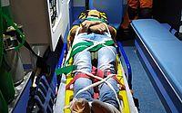 Mulher é levada ao HGE após queda de escadaria em grota do bairro Feitosa