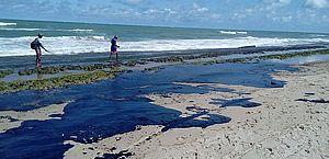 Procuradoria entra com ação para que governo acione plano de incidentes com óleo