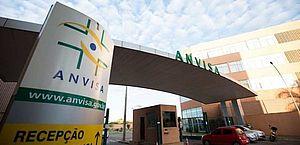 Anvisa poderá dar aval a vacina contra Covid com eficácia de 50%, diz gerente