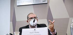 Epidemiologista afirma à CPI da Covid que 400 mil mortes poderiam ter sido evitadas