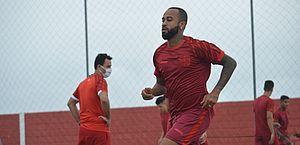 Wesley analisa desempenho individual com a camisa do CRB no fim da temporada