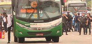 Bolsonaro elogia ação de atirador durante sequestro e lembra caso do ônibus 174