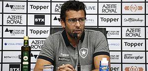 Valentim celebra retorno e diz que evitar queda é 1ª meta do Botafogo