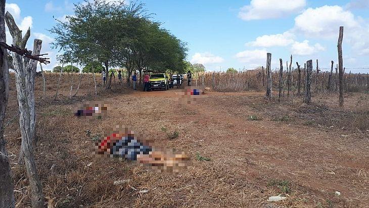 Corpos foram encontrados em estrada vicinal
