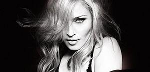 Madonna faz surpresa e anuncia nas redes sociais uma nova mixtape
