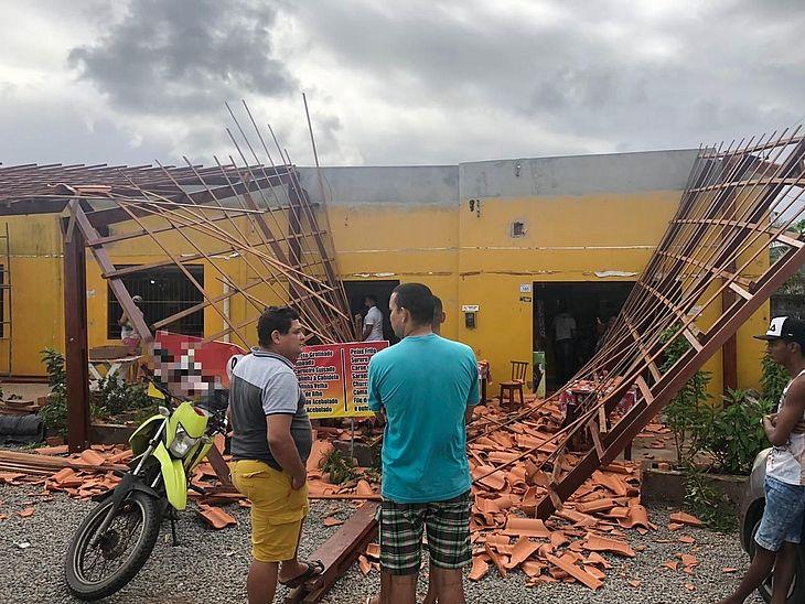 Telhado de restaurante desabou e deixou feridos em Marechal