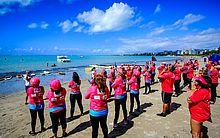 Atividades do Outubro Rosa no Mar foram realizadas na Ponta Verde.