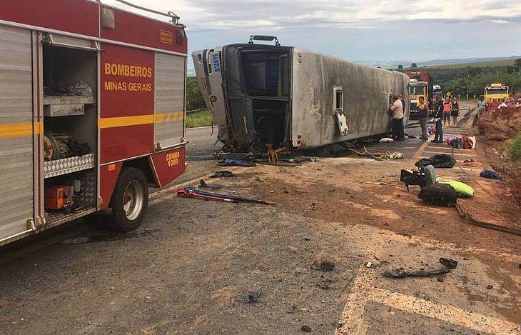 Duas pessoas de Alagoas morreram no acidente