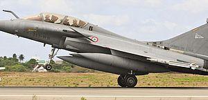 Caça francês rompe barreira de som para restabelecer contato de dois aviões; vídeo