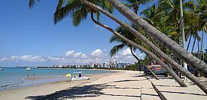 Empresários discutem limpeza de caixas de gordura e poluição das praias