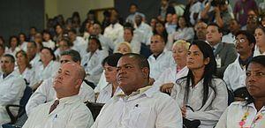 Médicos cubanos devem deixar o Brasil este mês