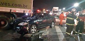 Vídeo: homem fica ferido após carro colidir com carreta no município de Rio Largo