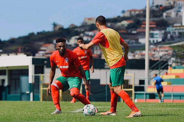 Jean Cléber cita elenco competitivo e espera melhor desempenho do Marítimo em Portugal