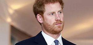 """Harry decide adiar """"retorno para Meghan"""" após conversas com a família"""
