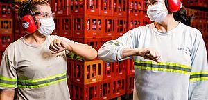Coca-Cola anuncia vagas de emprego exclusivas para mulheres em AL e mais dois estados