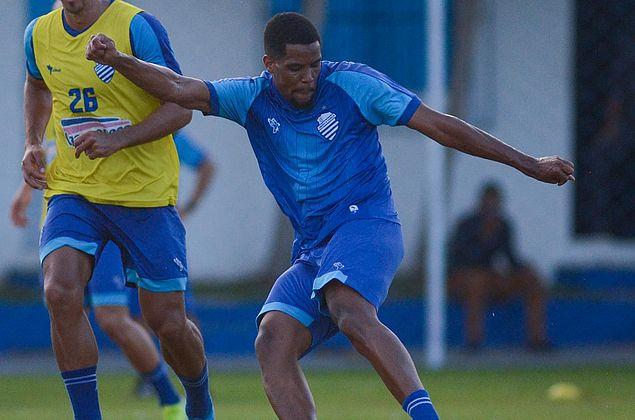Após vitória, Iury espera elenco azulino melhorando desempenho na Série B