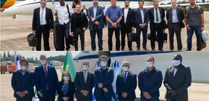 Comitiva do Brasil posa sem máscara no embarque e de máscara em Israel