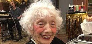 Mulher de 102 anos sobreviveu à gripe de 1918 e duas vezes ao coronavírus