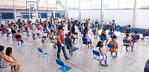 Cestas estão sendo distribuídas para famílias inseridas no CadÚnico