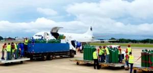 Cantor Gusttavo Lima envia cilindros de oxigênio para Manaus